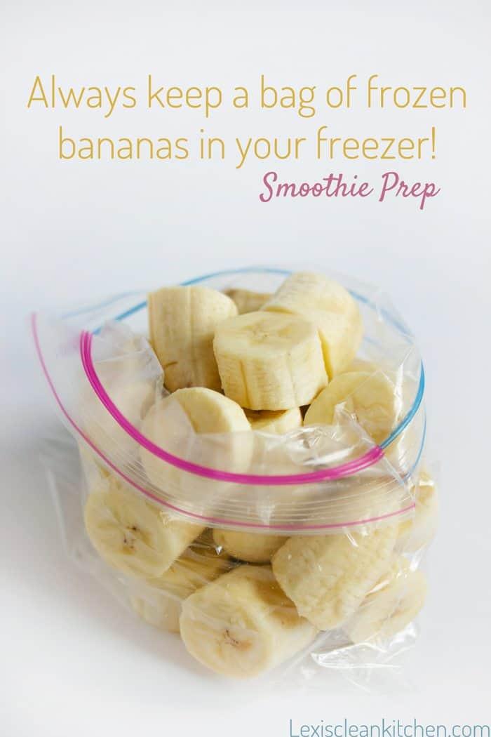 Frozen bananas smoothie prep