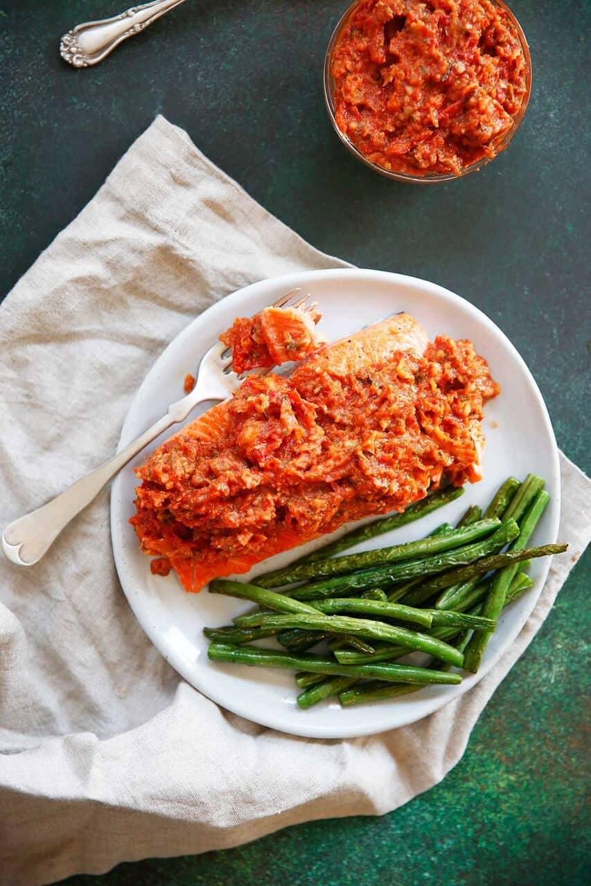 Easy Salmon Puttanesca