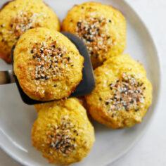 'Everything Bagel' Cauliflower Rolls