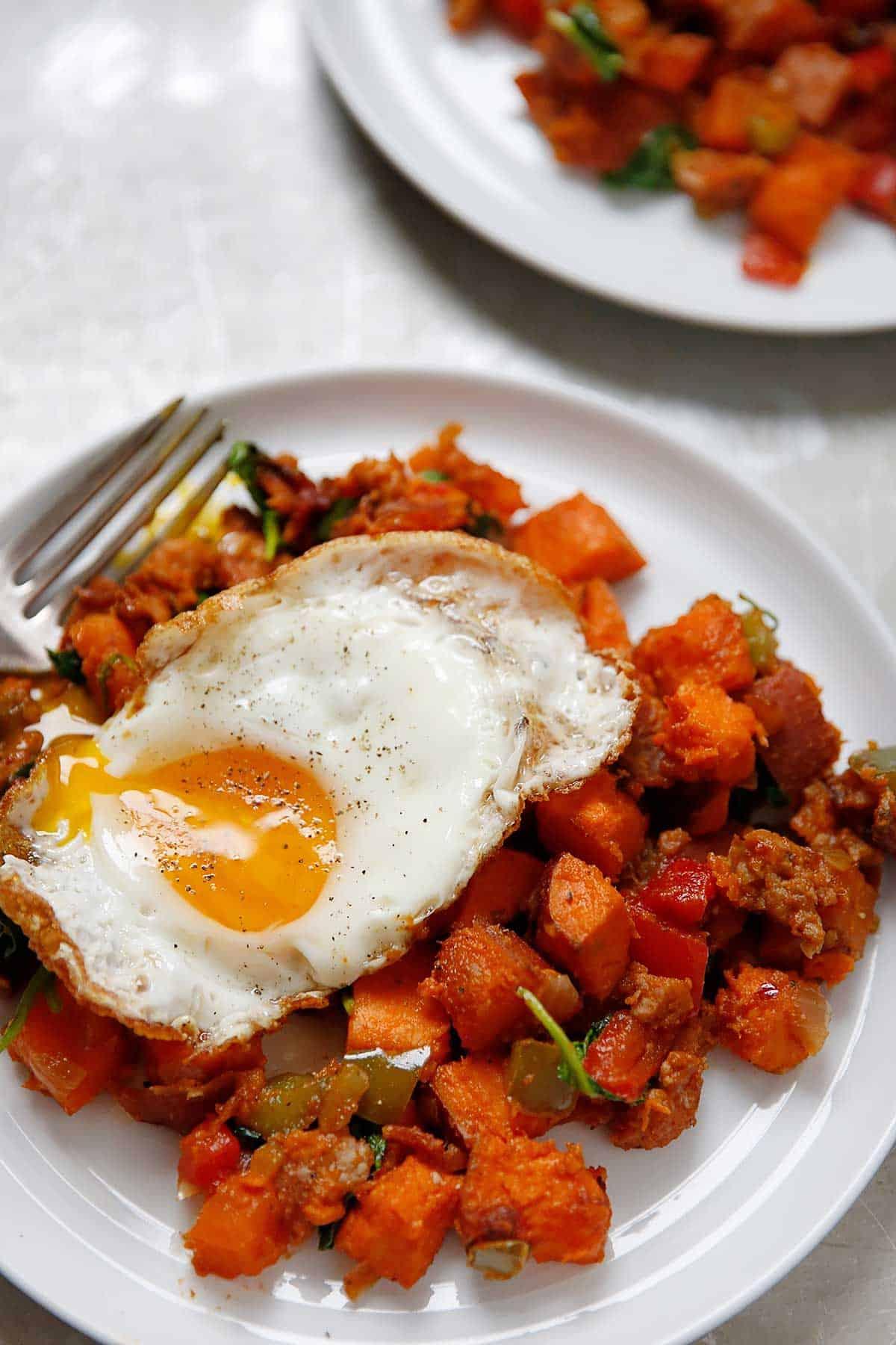 Loaded Paleo Breakfast Hash | Lexi's Clean Kitchen