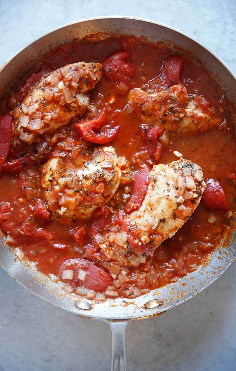 Chicken breast in tomato sauce