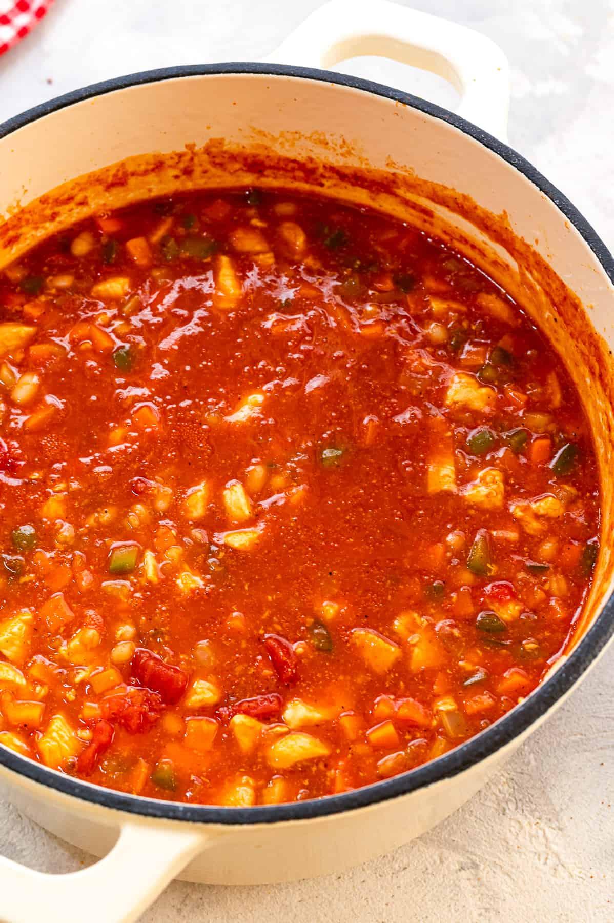 A pot of buffalo chicken chili