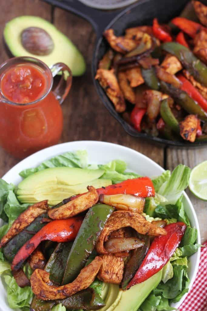 Chicken Fajita Salads [VIDEO]