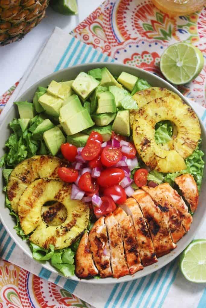Sriracha lime chicken chopped salad video lexi 39 s clean for Alta cuisine panama