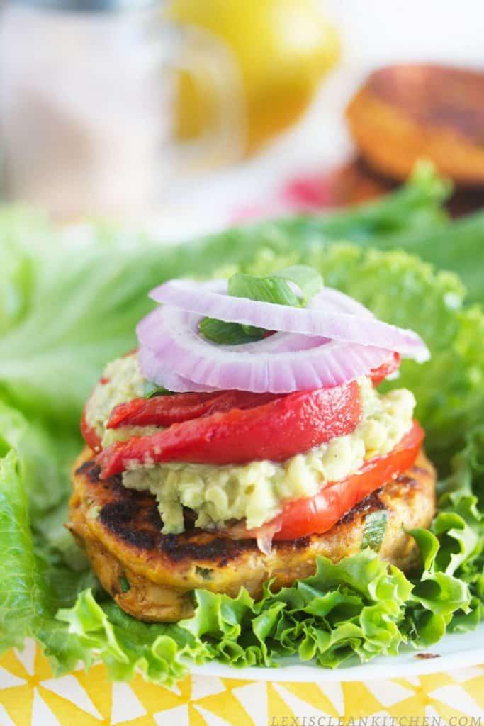 Tomato Jalapeño Salmon Burgers