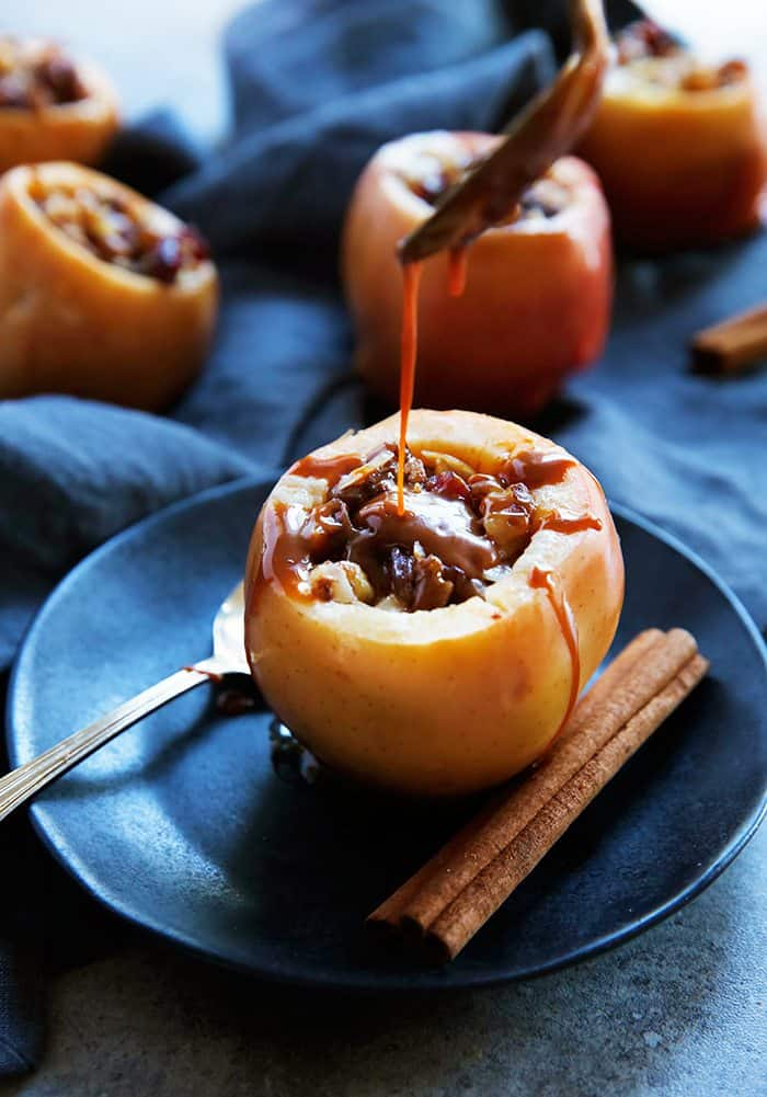 Easy Slow Cooker Baked Apples