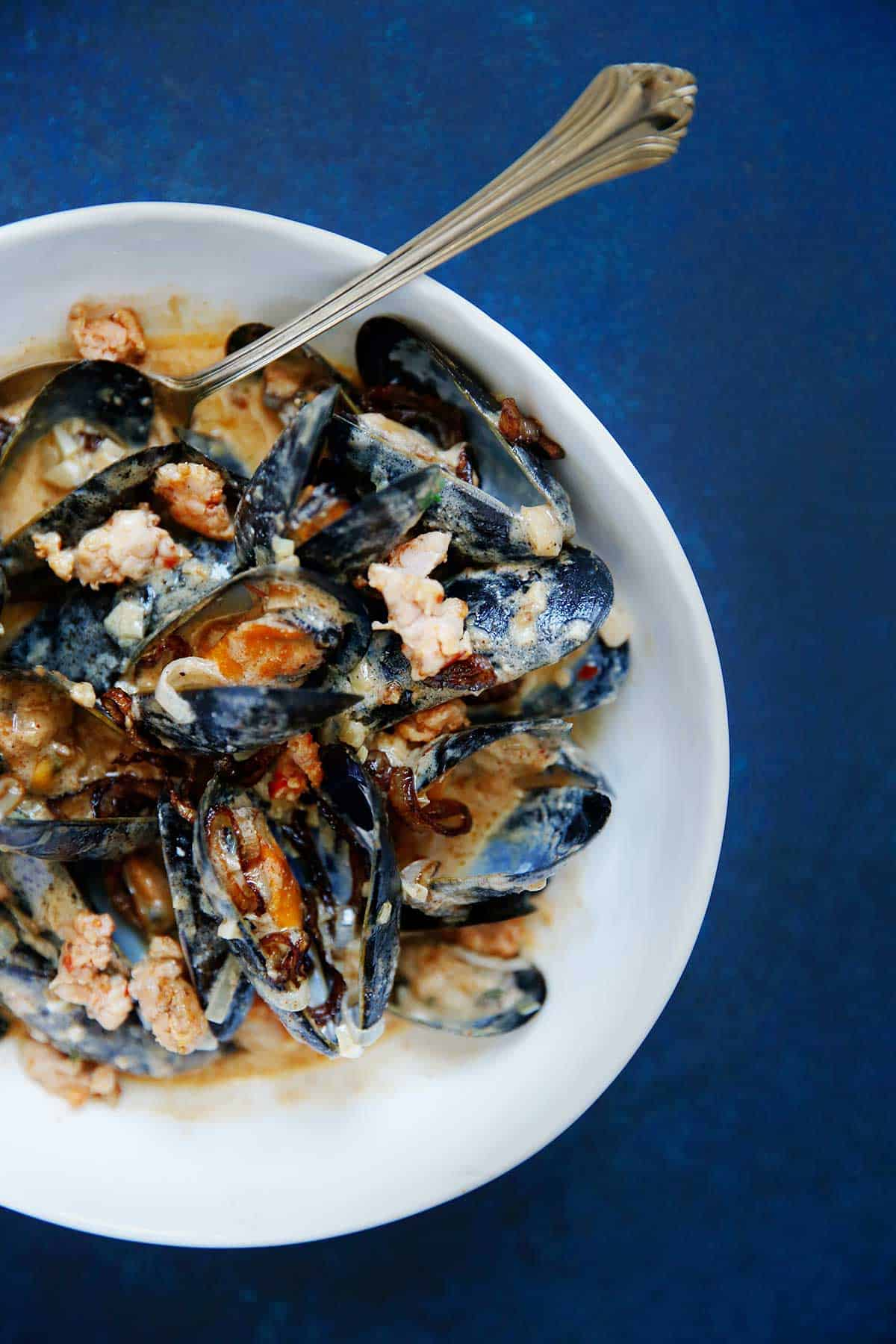 Mussels With Creamy Dijon Sauce Lexi S Clean Kitchen