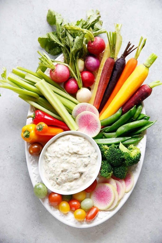 Crudité Platter with Dairy-free Tzatziki Sauce | Lexi's Clean Kitchen