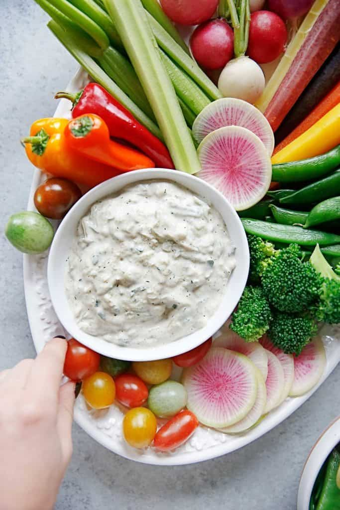 Crudité Platter with Dairy-free Tzatziki Sauce | Lexi's Clean Kitchen