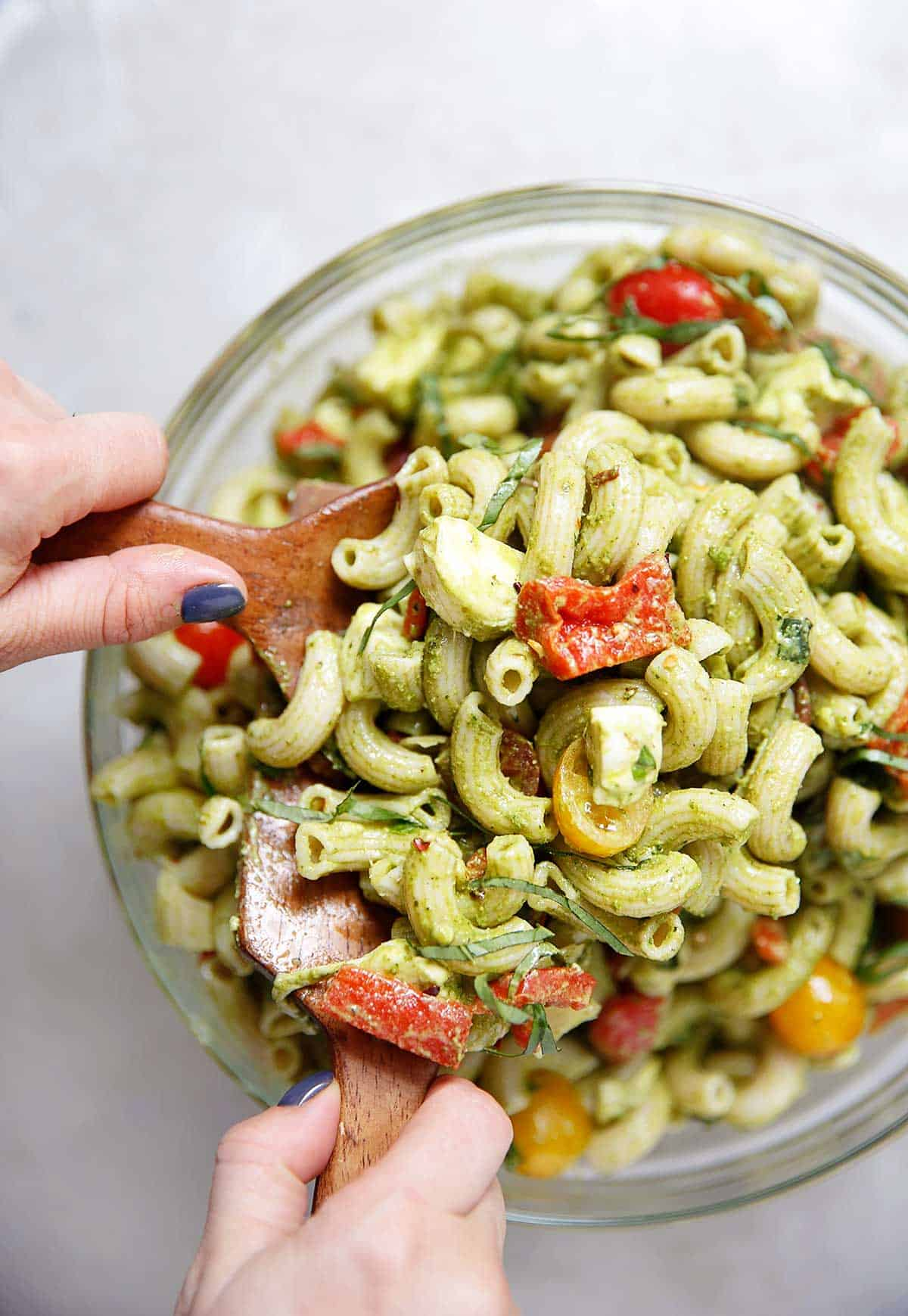 Gluten-Free Pesto Caprese Pasta Salad | Lexi's Clean Kitchen