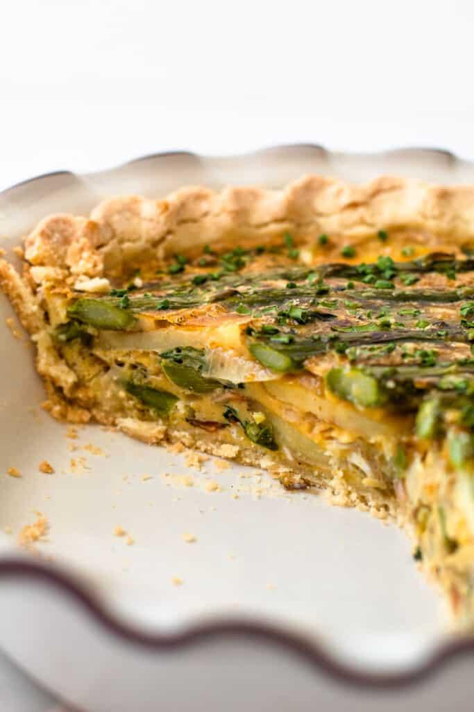 A gluten-free asparagus quiche