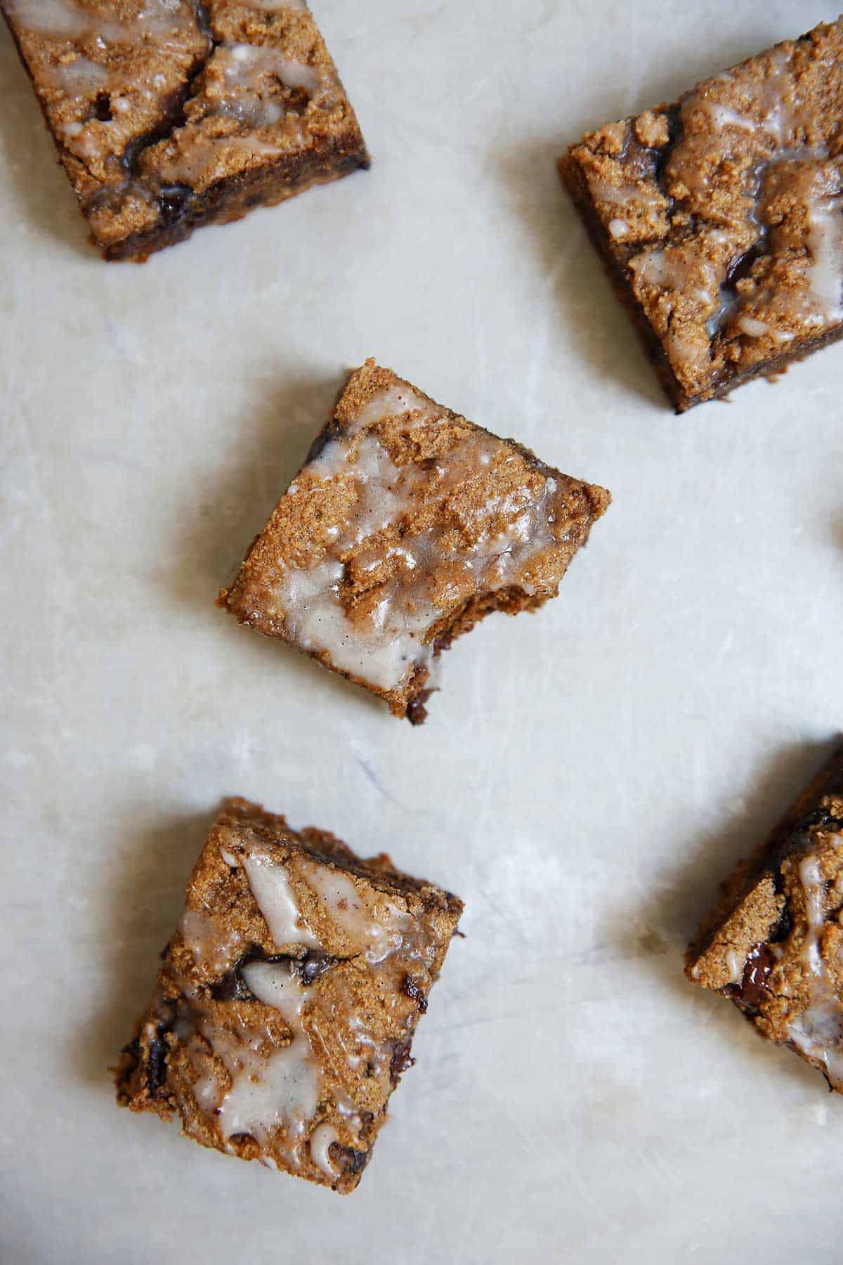 Chai Cookie Bars Vanilla Bean Glaze | Lexi's Clean Kitchen