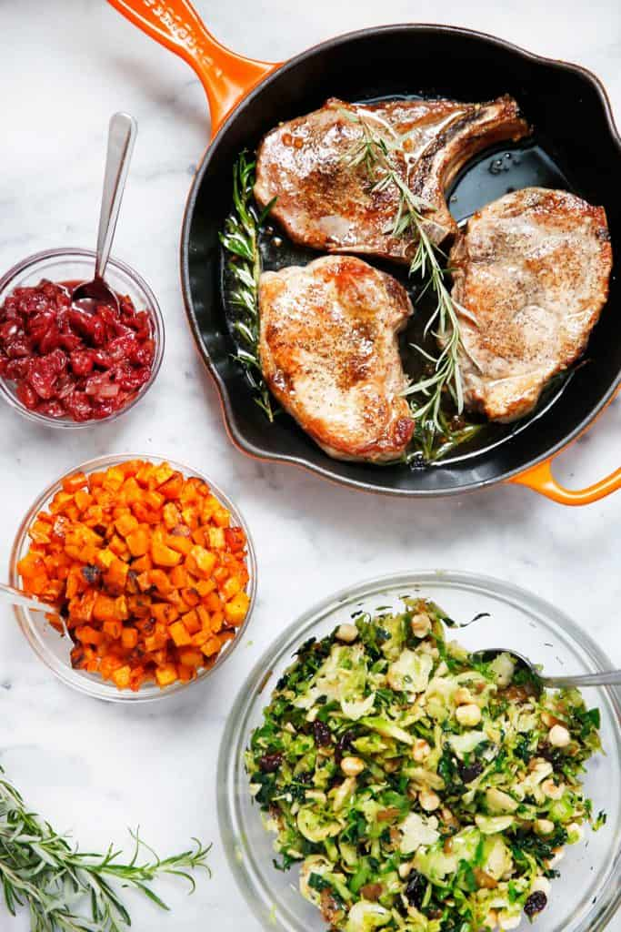 Your Holiday Dinner Menu (Made In 1 Hour) - Lexi's Clean Kitchen #paleo #glutenfree #cleaneating #holiday #dinner