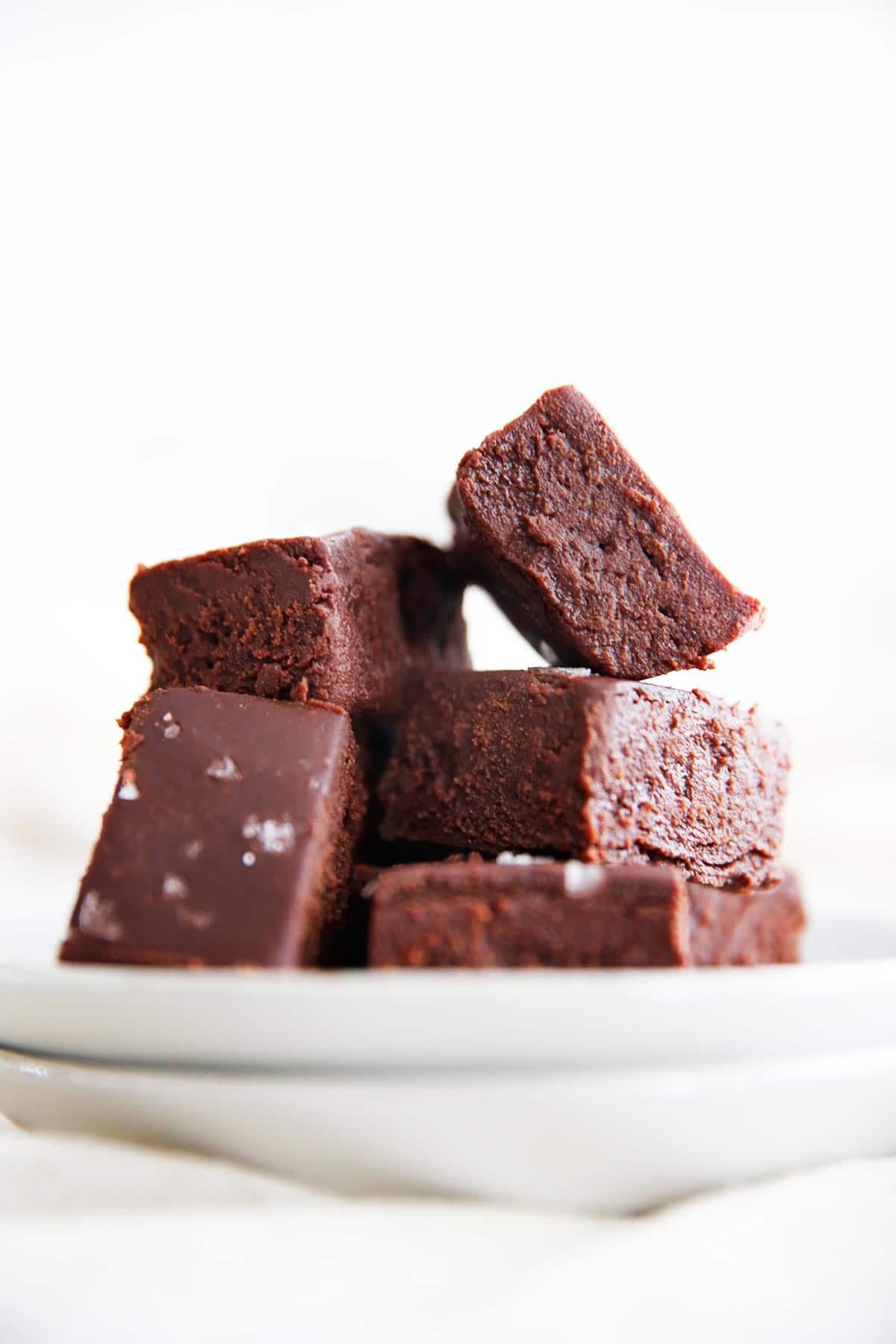 5 Ingredient Healthy Chocolate Fudge Recipe
