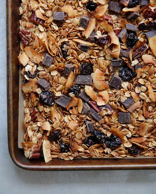 How do you preserve homemade granola
