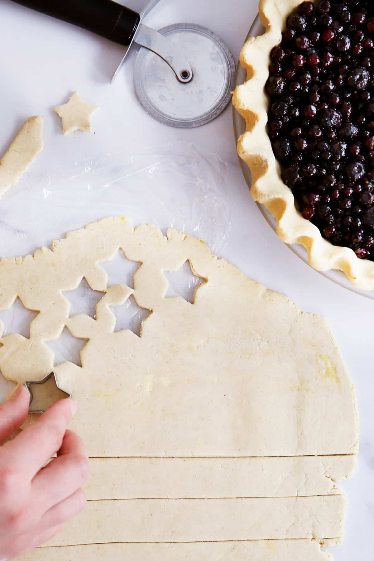 stars and stripes for blueberry pie decoration