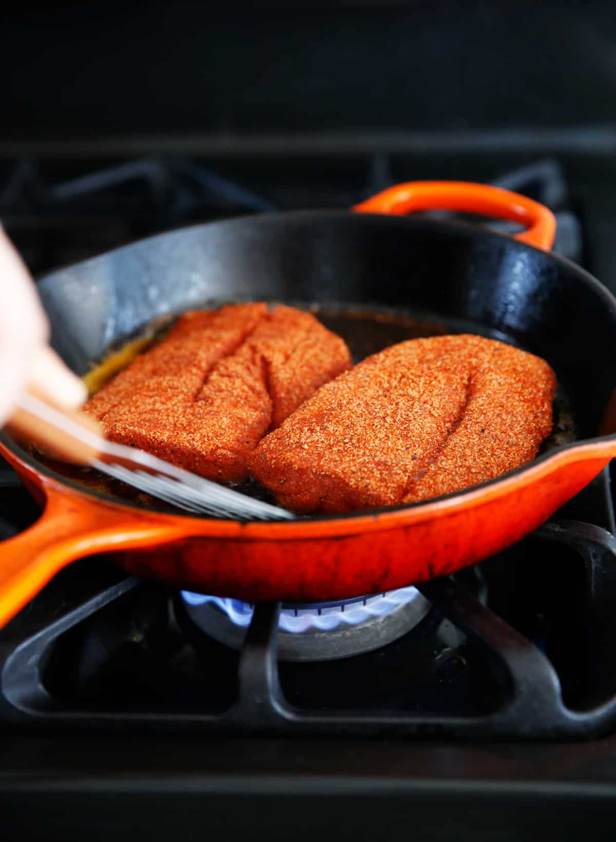 How to blacken fish in a skillet