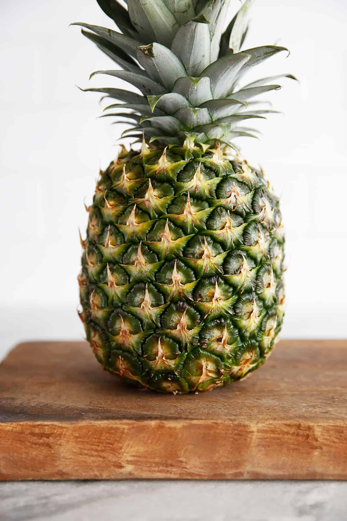 how to know when a pineapple is ripe