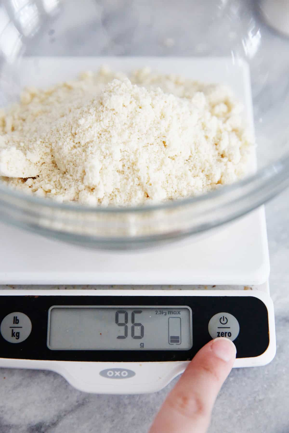 How to Use a Scale for Baking