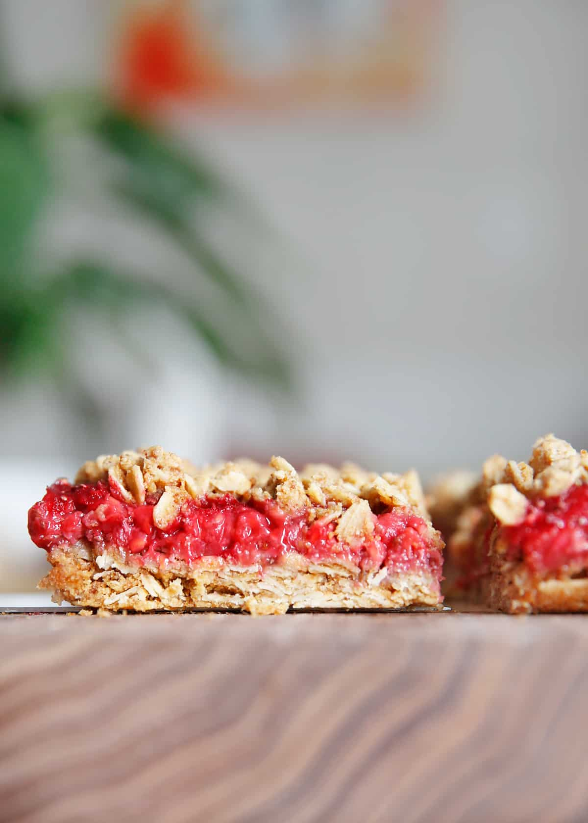 Fresh raspberry breakfast bars