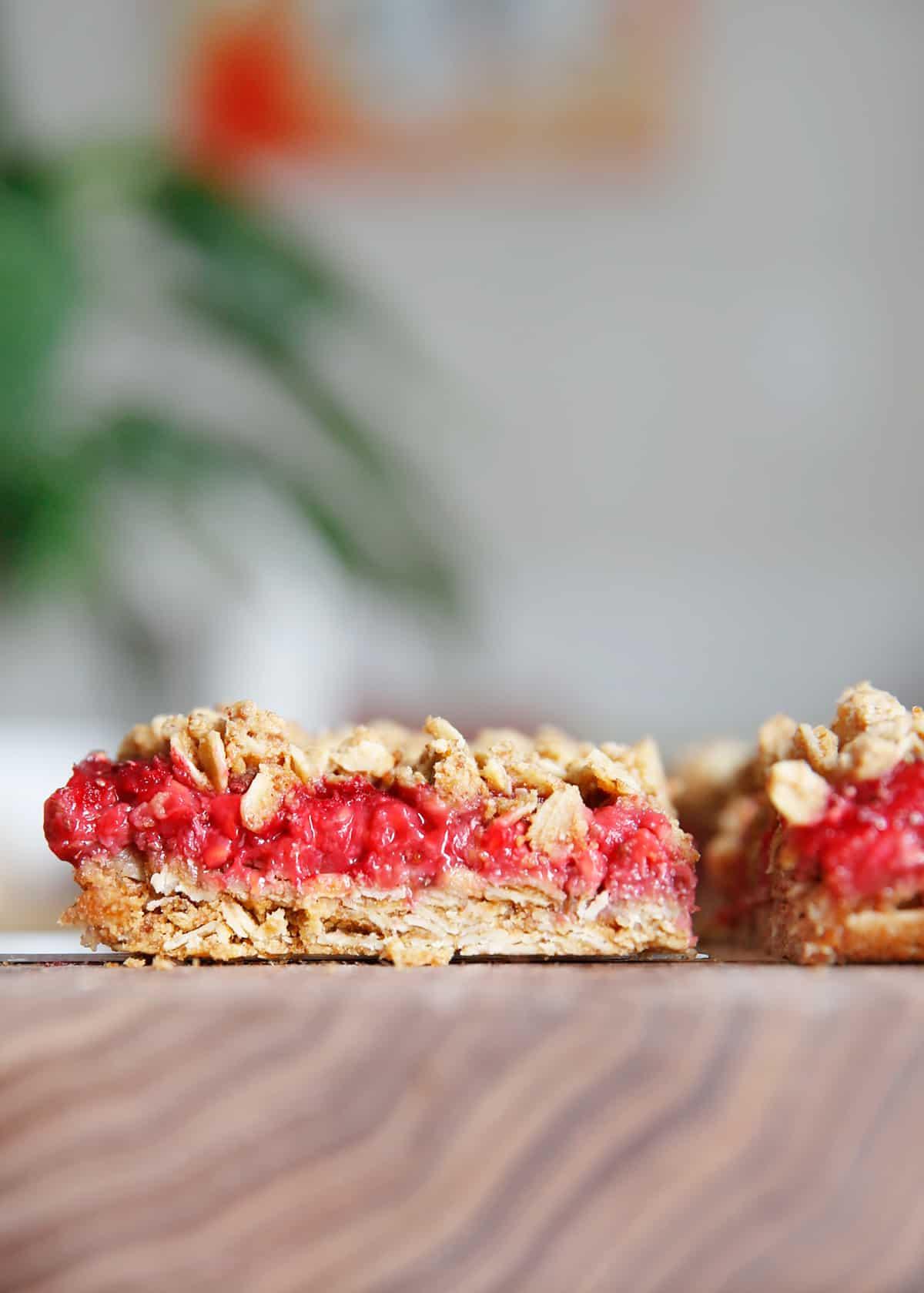 Fresh raspberry breakfast bars