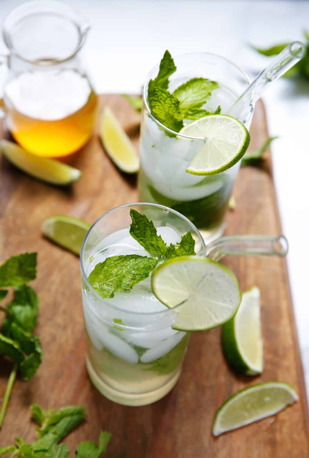 paleo mojito drink with mint and lime