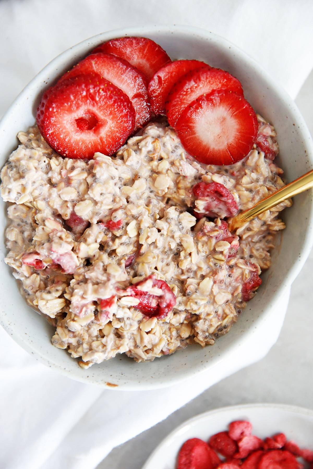 Strawberry overnight oats.